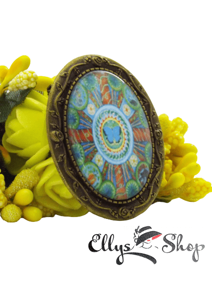 Brosa handmade mandala cu fluture