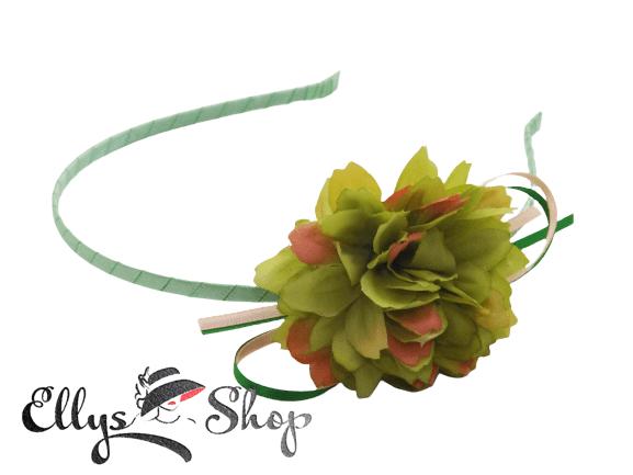 Cordeluta par cu floare verde