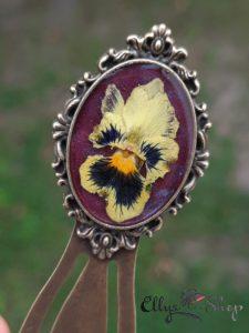 Semn de carte unicat cu floare naturala in rasina - panseluta