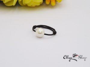 Inel snur negru si perla swarovski