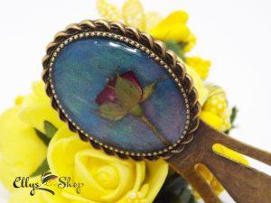 Semn de carte handmade unicat flori naturale boboc de trandafir pe fond turcoaz