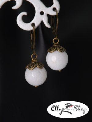 Cercei leverback pietre jad alb si componente bronz detaliu
